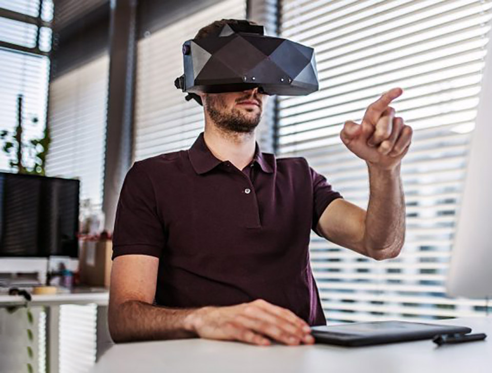 8K VR Headset CES NASA