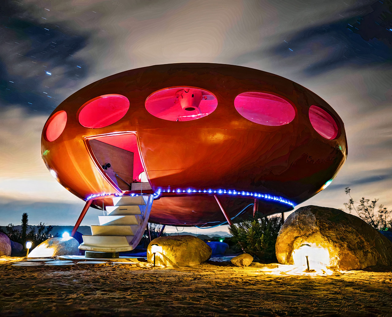 Airbnb UFO Flying Saucer Joshua Tree National Park