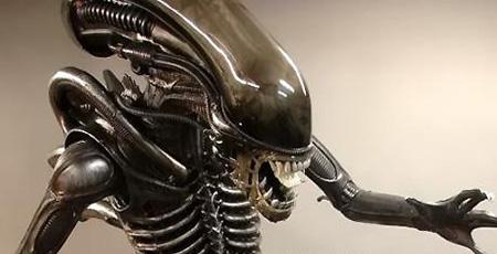 Alien Statue