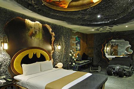 batman hotel room might be world 39 s coolest techeblog
