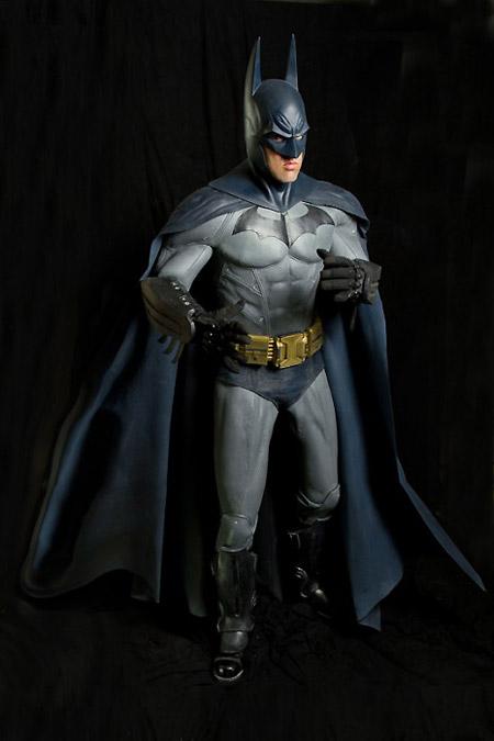 http://media.techeblog.com/images/batmanarkham-asylum-costume.jpg