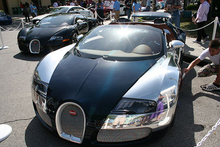 bugatti veyron price for limited grand sport sang bleu breaks record techeblog. Black Bedroom Furniture Sets. Home Design Ideas