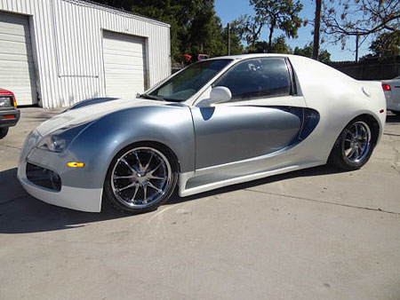 Bugatti Veyron Interior Pictures on From Afar Auto Enthusiasts May See This Bugatti Veyron Knockoff As