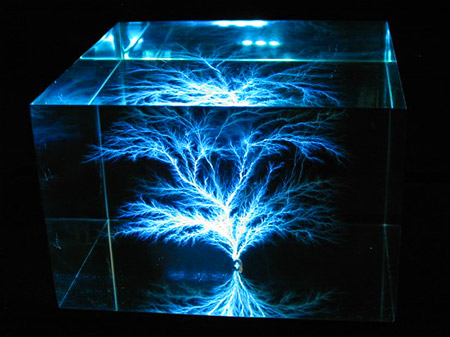 Yes Artist Ben Hickman Actually Captures Real 22 Million Volt Lightning Bolts Inside Clear Acrylic Blocks To Create Thee Beautiful Sculptures