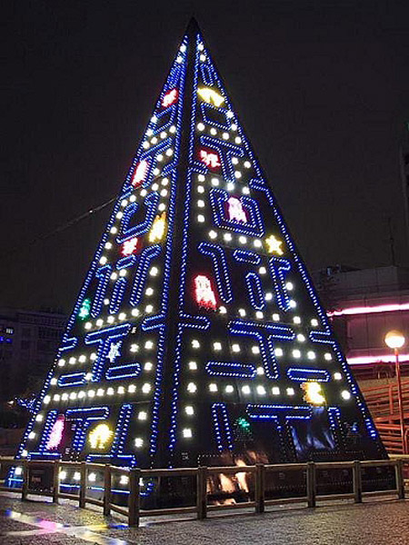 Cool Christmas Trees.World S Coolest And Geekiest Christmas Trees Techeblog