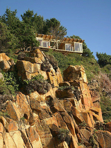 Stunning House On The Edge Of A Cliff TechEBlog