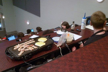 College Student Cooks Breakfast In Class Bacon And Pancakes Ensue Many Lecture Halls