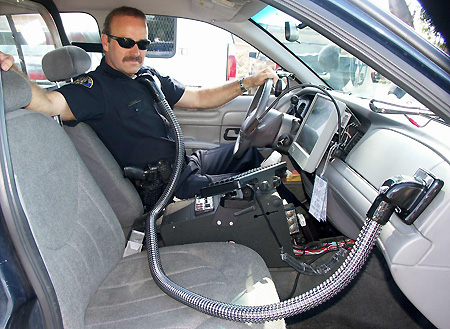 CoolCop Uses A/C Vent, Hose to Keep Cops Cool - TechEBlog