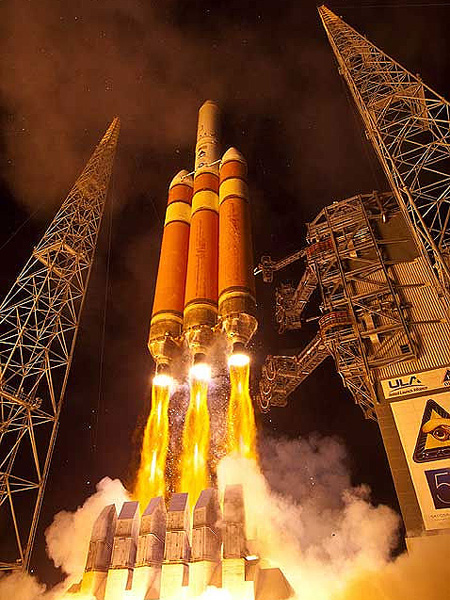 Delta IV Rocket Launch Video Hits the Internet - TechEBlog