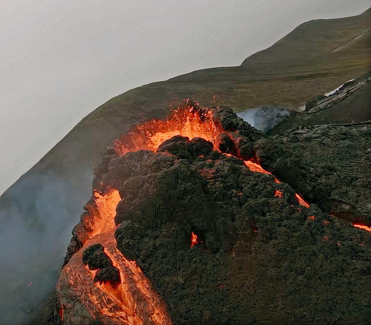 DJI FPV Drone Iceland Fagradalsfjal Volcano Eruption