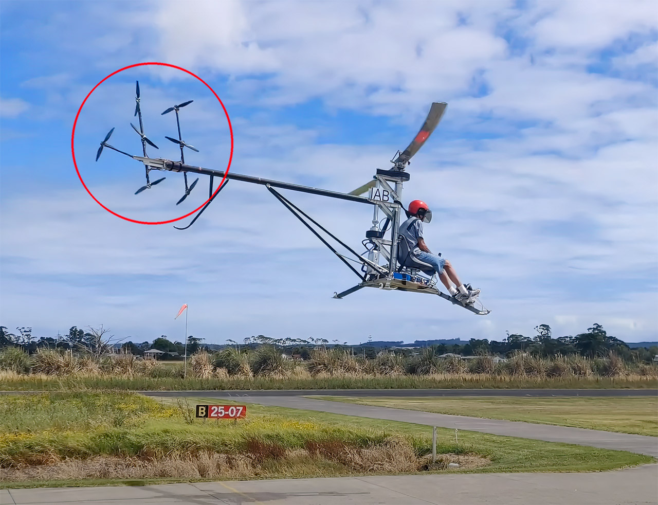 Electric Helicopter 7 Tail Rotors