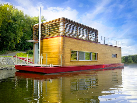 Top 5 Coolest Floating Homes from Around the World - TechEBlog