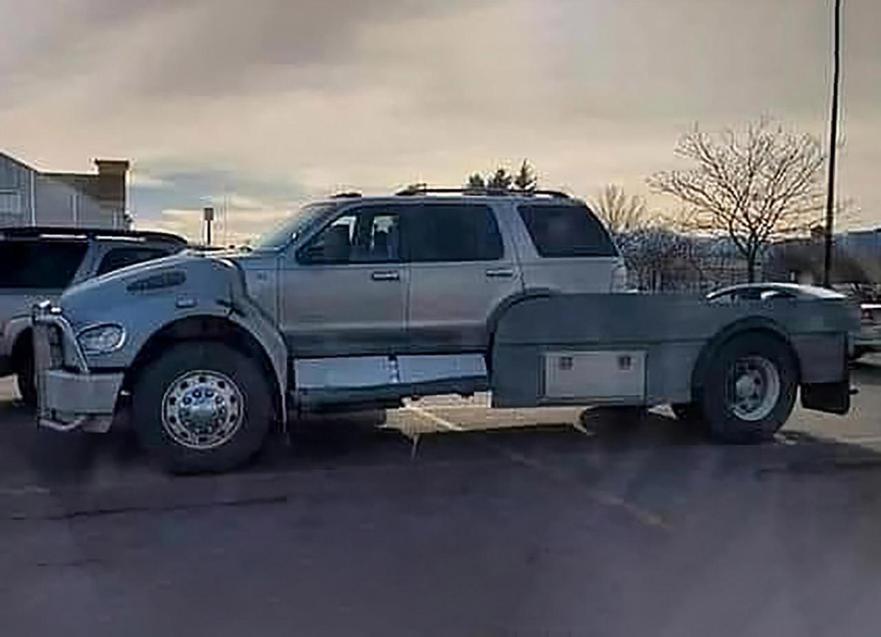 Ford Explorer Semi Truck Mod