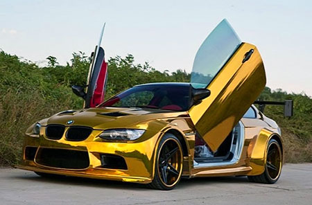 opulent gold bmw m3 with lambo doors spotted techeblog. Black Bedroom Furniture Sets. Home Design Ideas