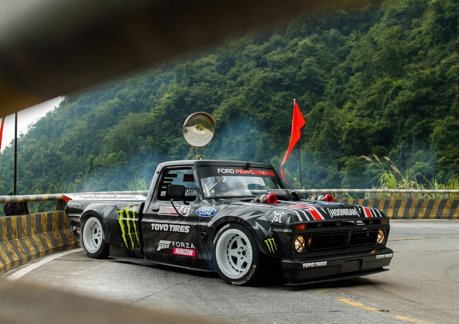 Ken Block China Dangeroud Road Tianmen Mountain Climbkhana 2