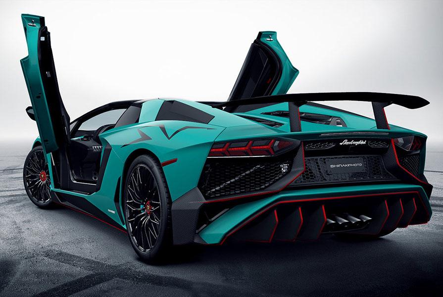 Hasil gambar untuk Lamborghini Aventador 2017