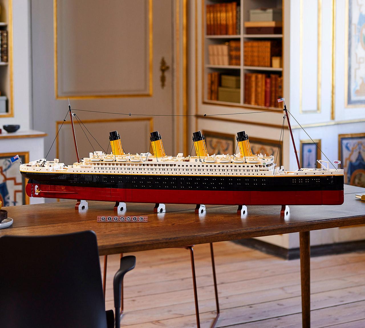 LEGO 10294 Titanic Ship Set 9090 Pieces
