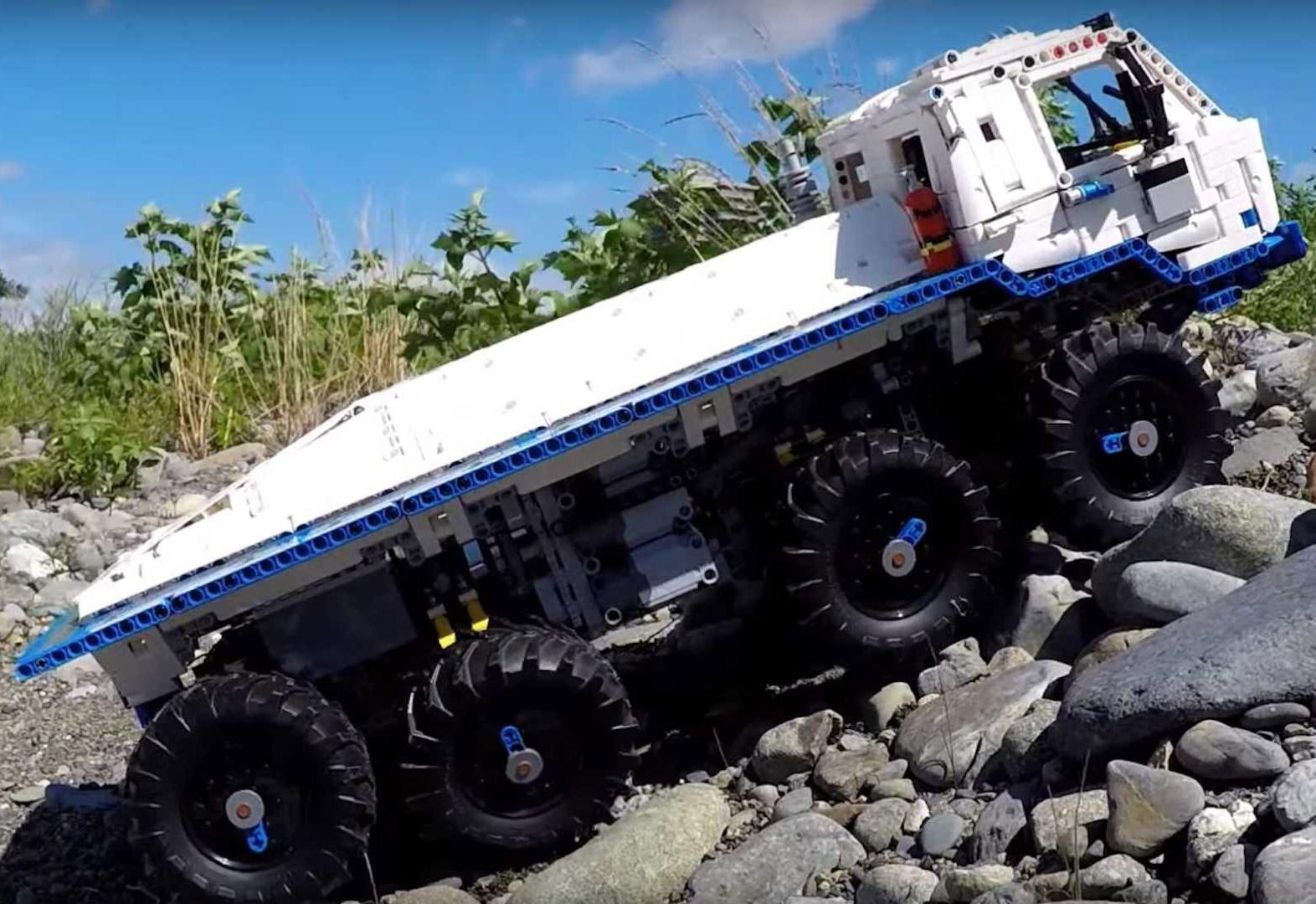 LEGO Technic Tatra 8x8 Off-Road