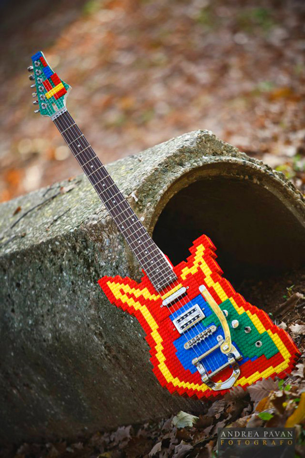 Functional LEGO Guitar