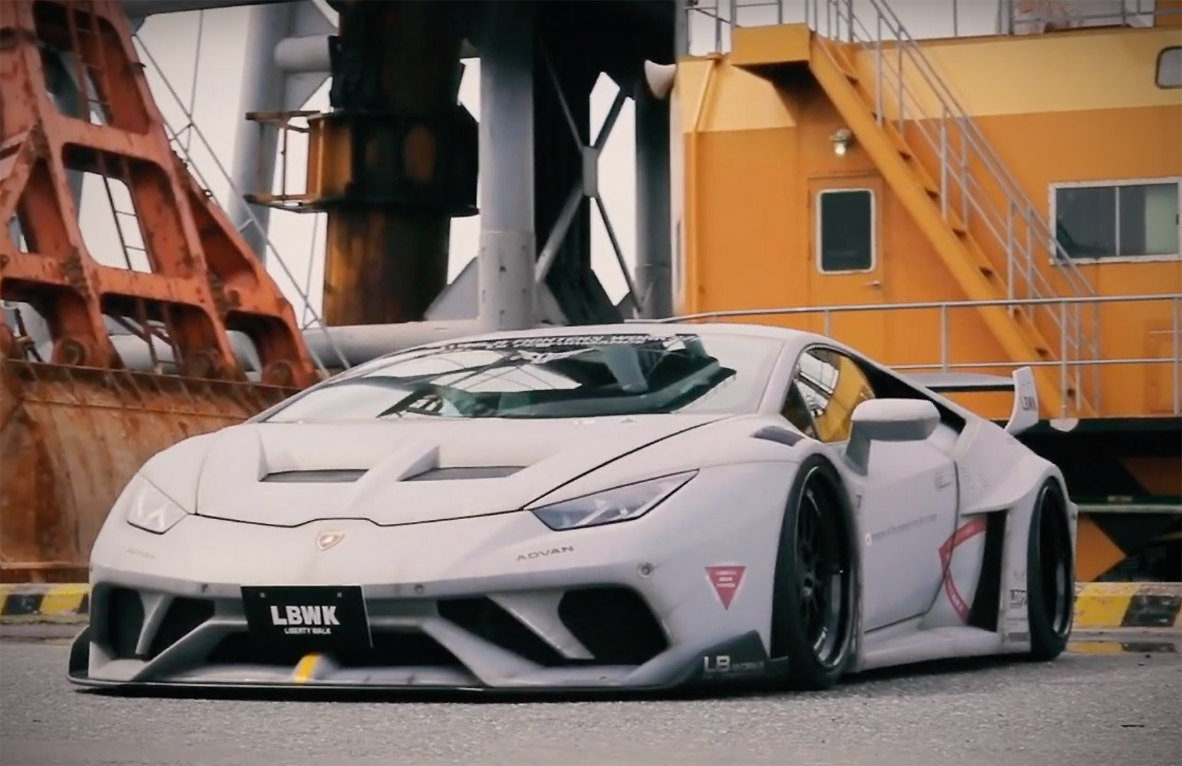 Liberty Walk LB-Silhouette Works GT Lamborghini Huracan