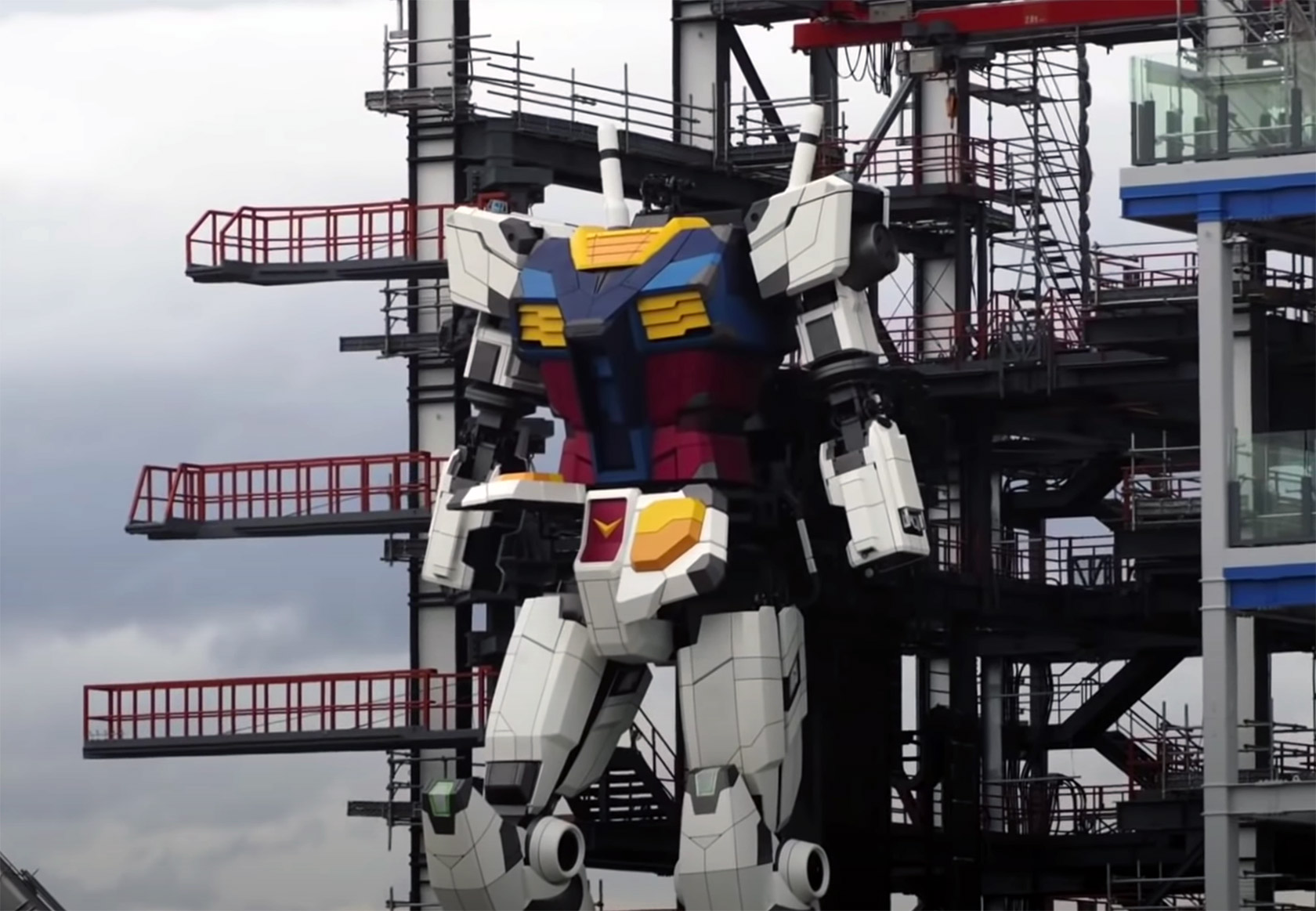 Life-Sized Gundam Robot Japan Steps