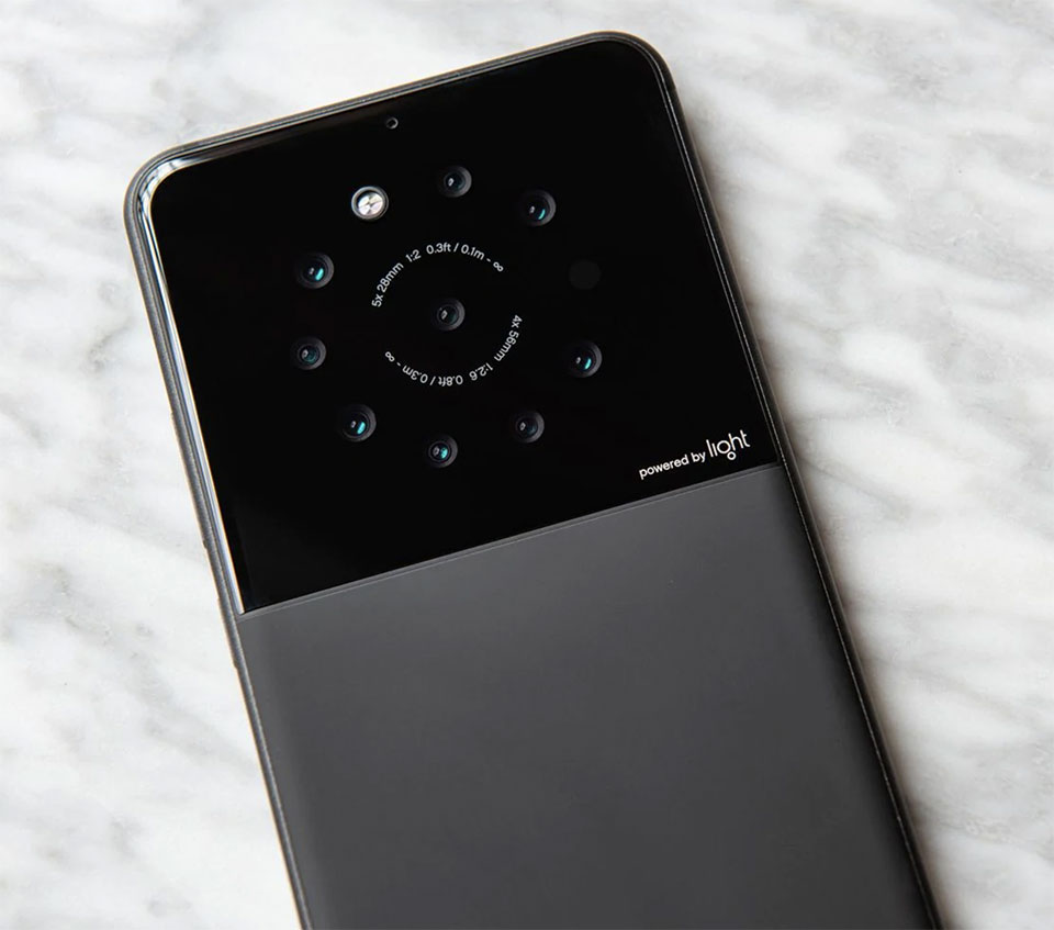 Light Smartphone 9 Cameras