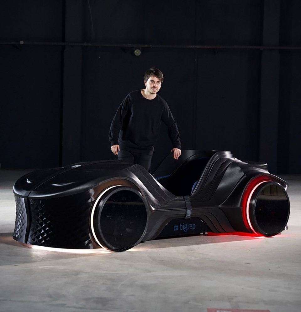 LOCI Podcar 3D-Printed Vehicle