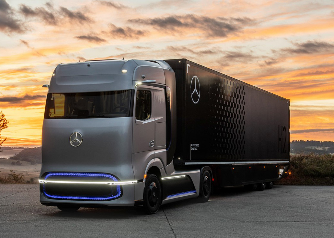 Mercedes-Benz GenH2 Fuel-Cell Semi Truck
