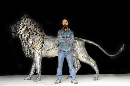 This Amazing 550-Pound Lion was Made from 4,000-Pieces of Metal