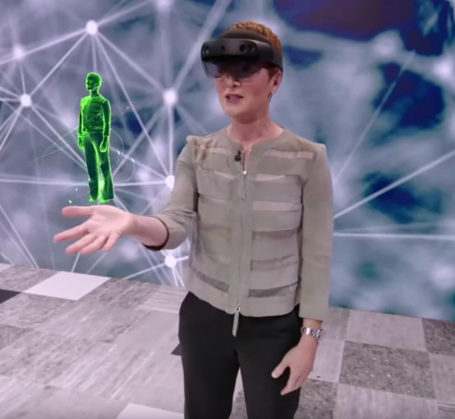 Microsoft Language Hologram HoloLens