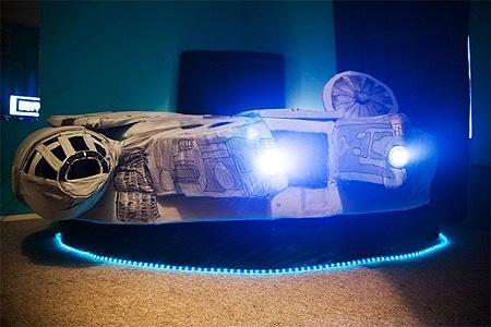Camera Da Letto Star Wars : Amazing star wars millennium falcon bed u technologie potpourri