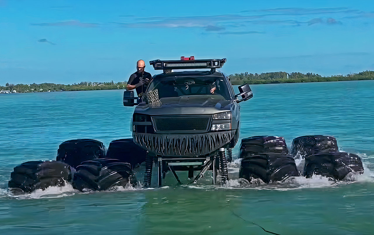 MonsterMax Truck Ocean Water Drive