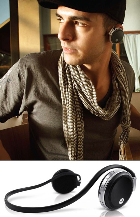 Motorola S305 Bluetooth Stereo Headset W Microphone Gets 66 Reduction To Under 34 Shipped Techeblog
