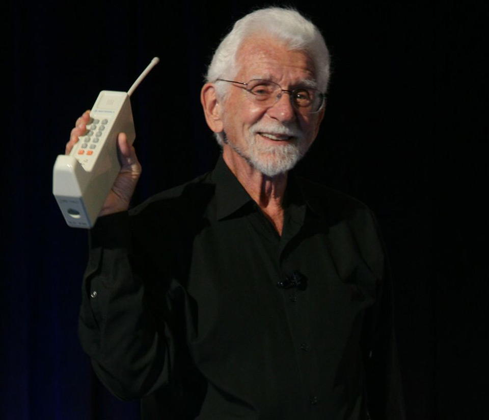 Motorola Worlds First Mobile Phone Call