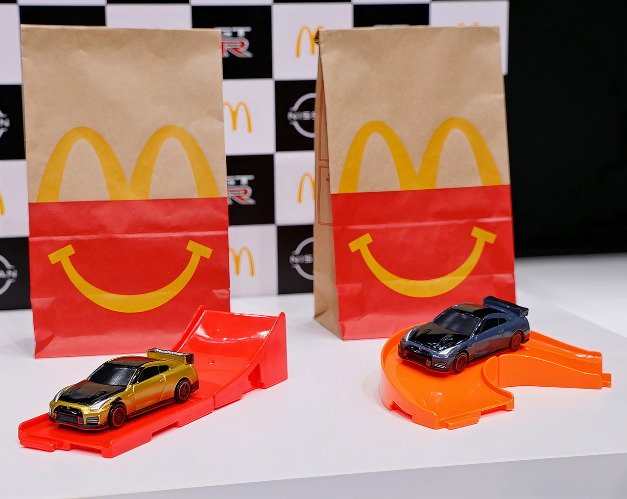 Nissan GT-R NISMO McDonald's Happy Meal Tomica Japan