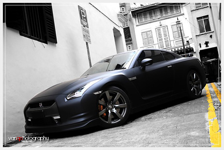 You can't go wrong with flat black, as this Nissan GT R Skyline proves.