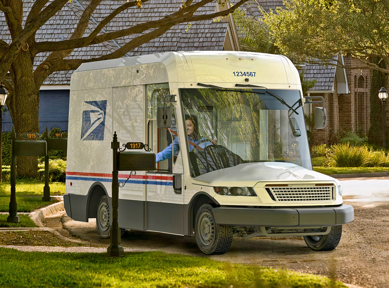 Oshkosh Defense USPS Mail Truck