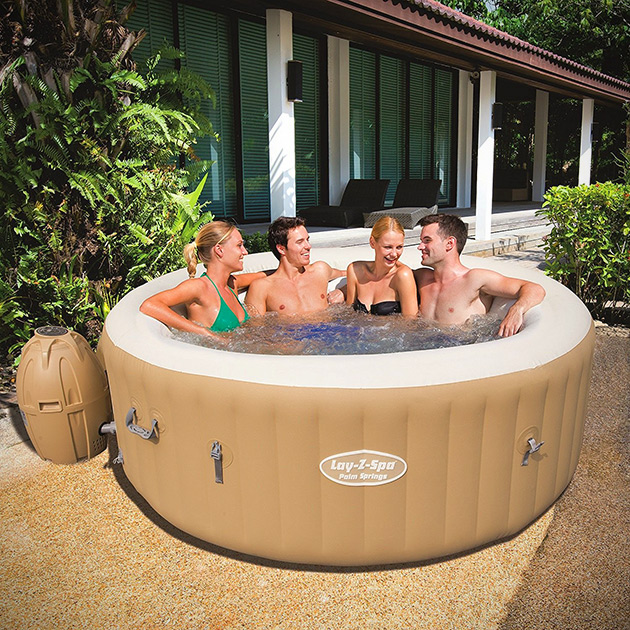 Palm Springs Inflatable Hot Tube
