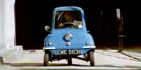 top gear jeremy clarkson drives the three wheeled peel p50 techeblog. Black Bedroom Furniture Sets. Home Design Ideas