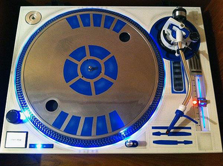 Geeky Musicians Create Custom R2 D2 Turntable Techeblog