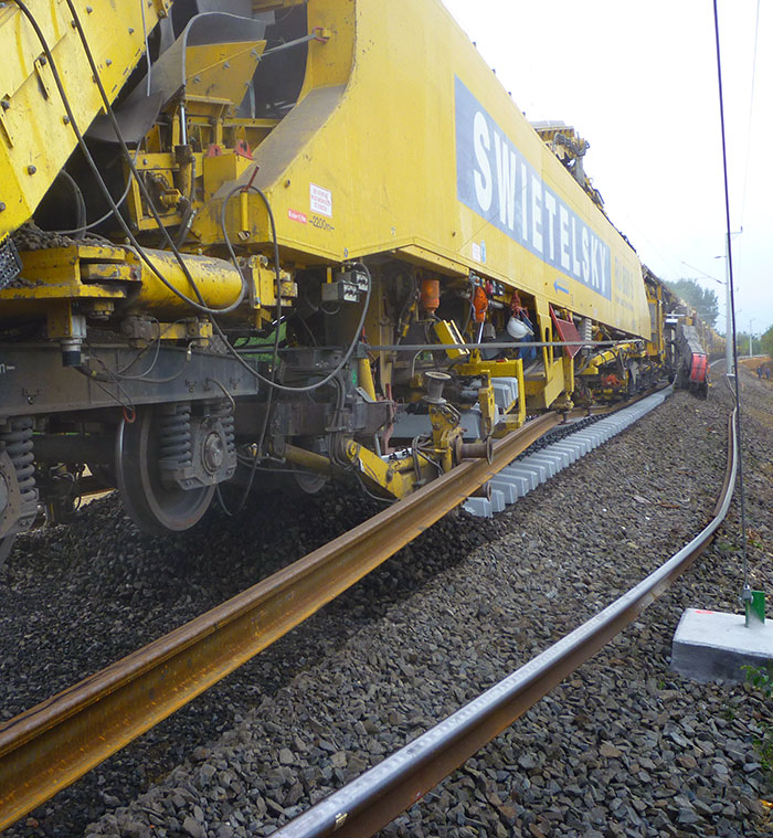RU 800 S Railroad Machine