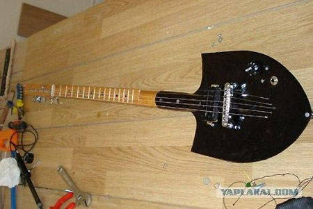 Weird Shovel Guitar Is Fully Functional Techeblog