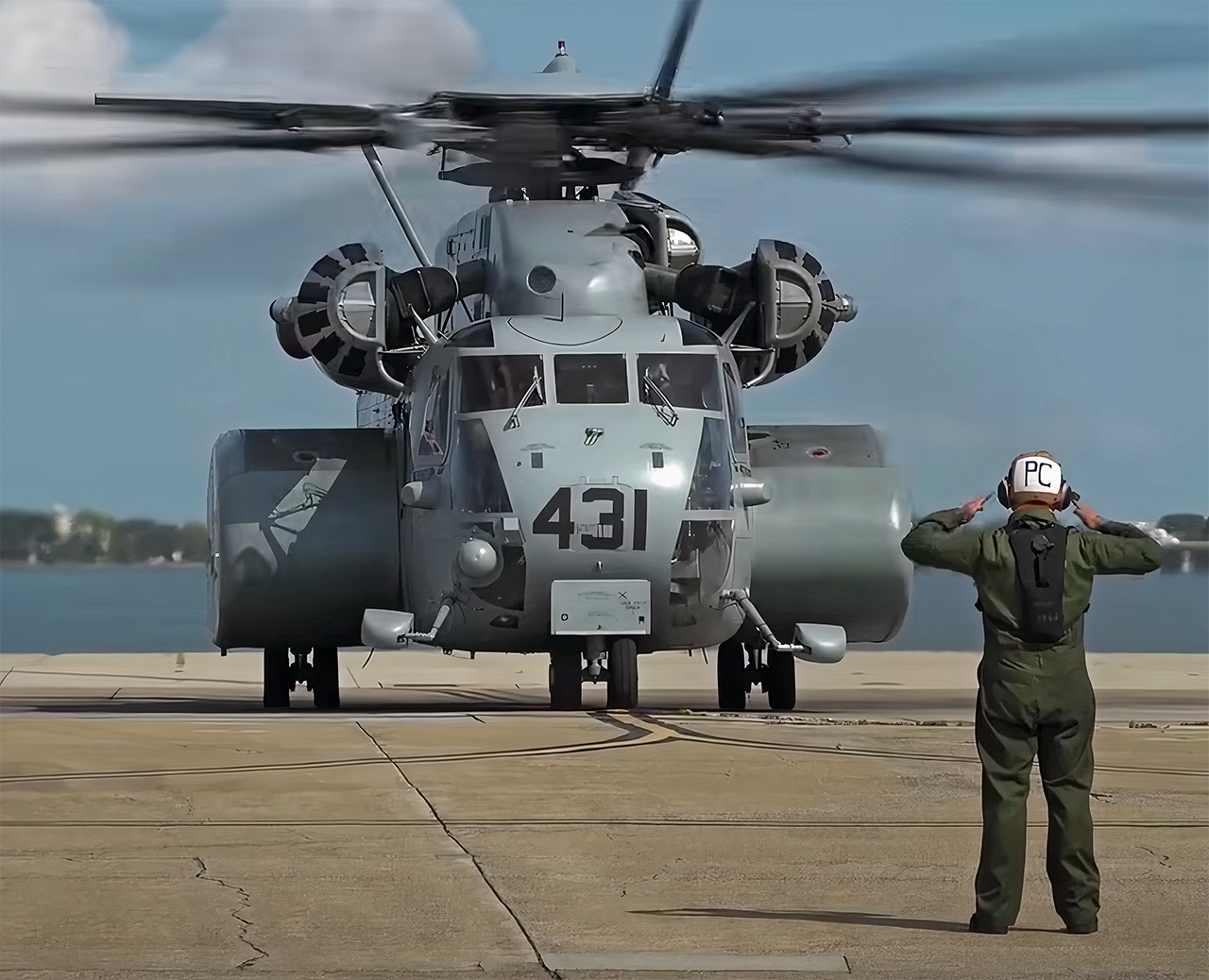 Sikorsky MH-53 US Navy Largest Helicopter