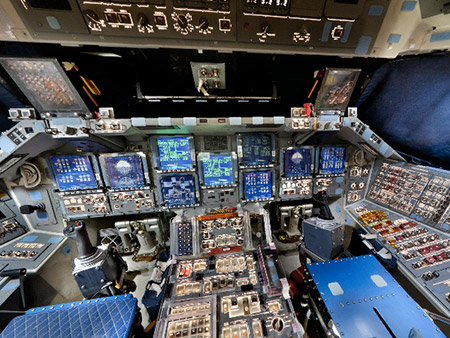 space shuttle discovery cockpit - photo #7