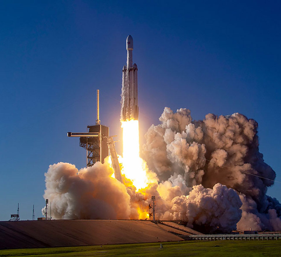 Watch the SpaceX Falcon Heavy Rocket Launch from KSC ...