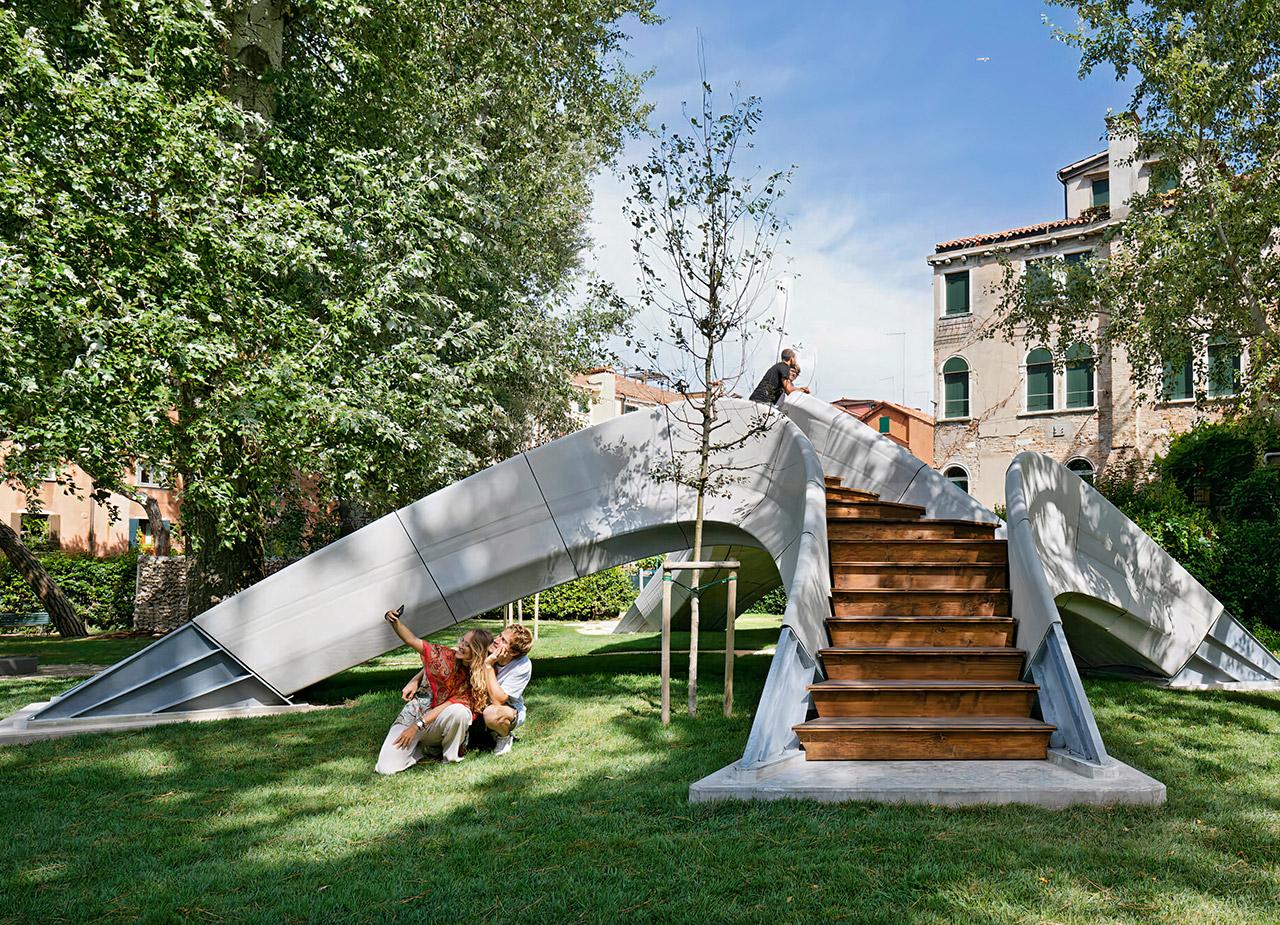 Striatus First 3D-Printed Unreinforced Concrete Arch Bridge