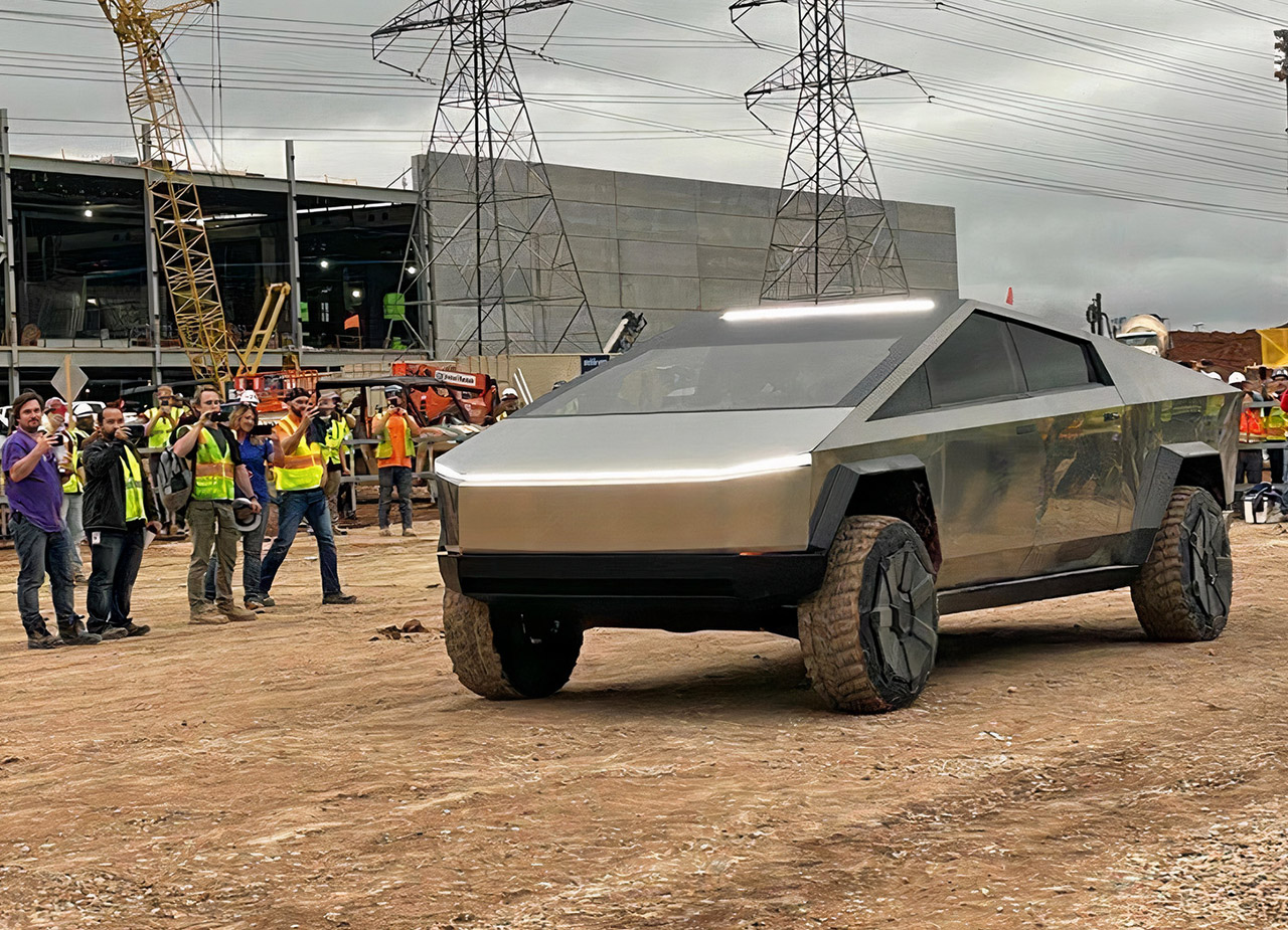 Tesla Cybertruck Giga Texas