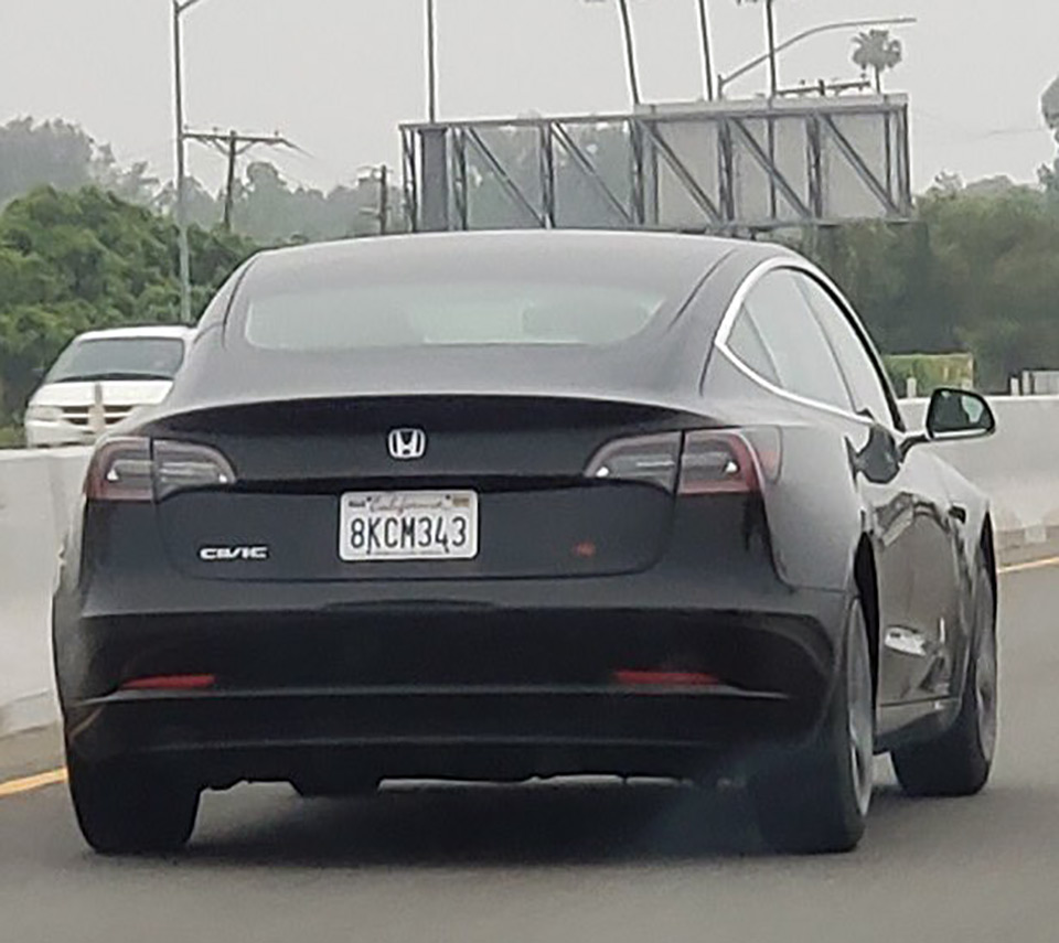 Tesla Model 3 Honda Civic Si