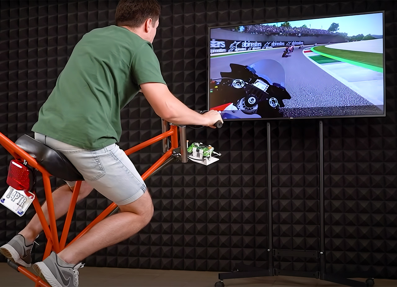 The Q Motorcycle Moto Simulator Racing Game