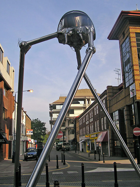 war of the worlds tripod model. The War of the Worlds